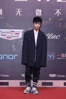 Leo Ku in Juun.J Spring 2017 Menswear