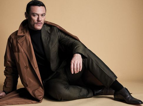 Luke Evans Glass Men Spring Summer 2018-1