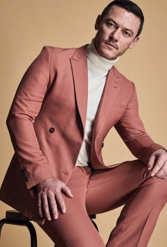 Luke Evans Glass Men Spring Summer 2018-3