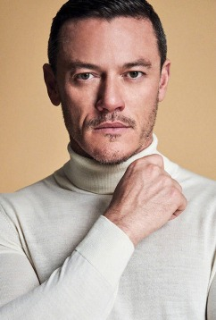 Luke Evans Glass Men Spring Summer 2018-5