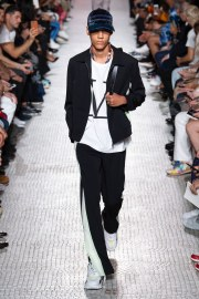 Valentino Spring 2019 Menswear Look 11