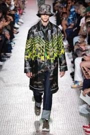 Valentino Spring 2019 Menswear Look 14