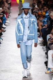 Valentino Spring 2019 Menswear Look 17