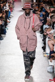Valentino Spring 2019 Menswear Look 2