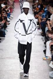 Valentino Spring 2019 Menswear Look 24