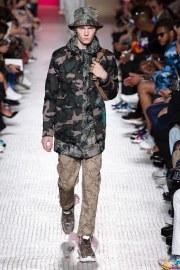 Valentino Spring 2019 Menswear Look 28