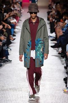 Valentino Spring 2019 Menswear Look 32