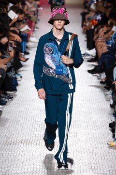 Valentino Spring 2019 Menswear Look 33
