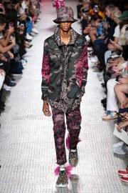 Valentino Spring 2019 Menswear Look 9