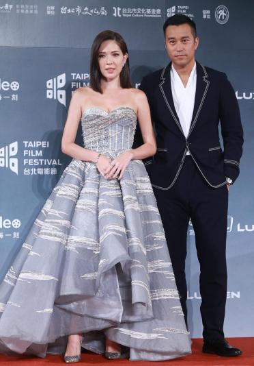 Ann Hsu in The Atelier Fall 2017 Couture-3