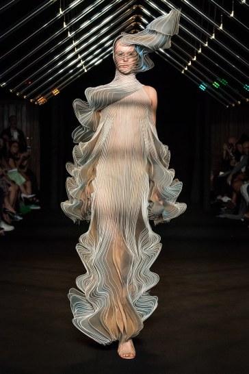 Iris van Herpen Fall 2018 Couture Look 12
