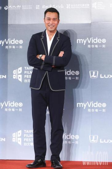 Joseph Chang in Boss Spring 2018 Menswear