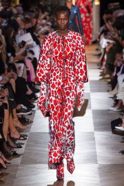 Schiaparelli Fall 2018 Couture Look 15