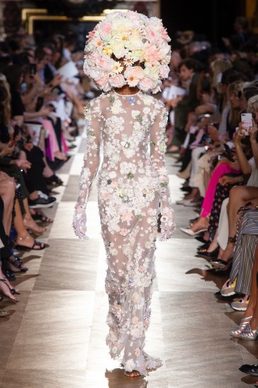 Schiaparelli Fall 2018 Couture Look 39