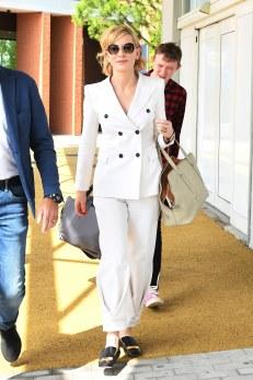 Cate Blanchett in Giorgio Armani Spring 2017 Menswear-1