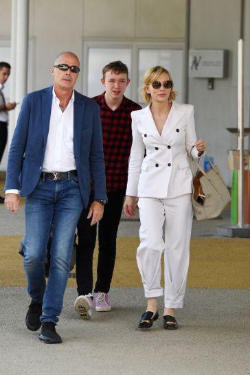 Cate Blanchett in Giorgio Armani Spring 2017 Menswear-3