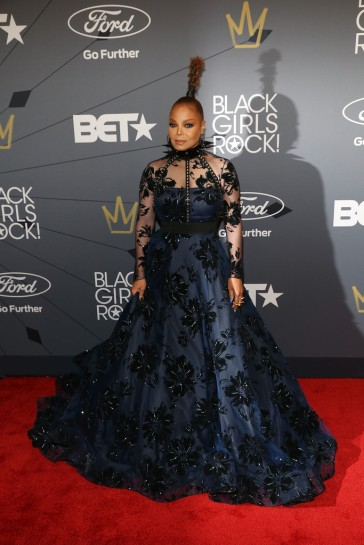 Janet Jackson in Christian Siriano Fall 2018-1