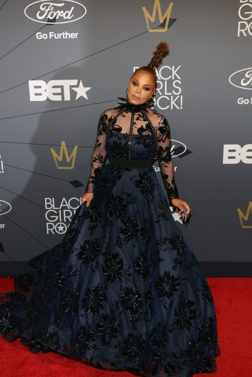 Janet Jackson in Christian Siriano Fall 2018-3