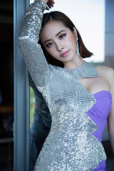 Jolin Tsai in Moschino Fall 2018-3