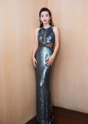 Li Bing Bing in Jenny Packham Fall 2018-3