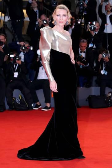 Cate Blanchett in Armani Privé Fall 2018 Couture-2