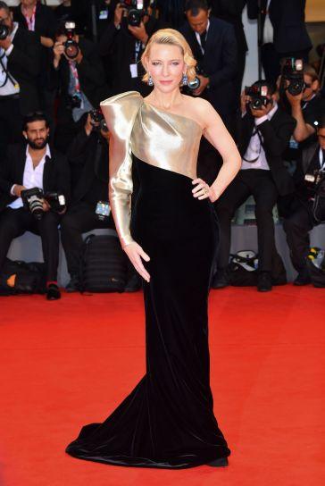 Cate Blanchett in Armani Privé Fall 2018 Couture-4