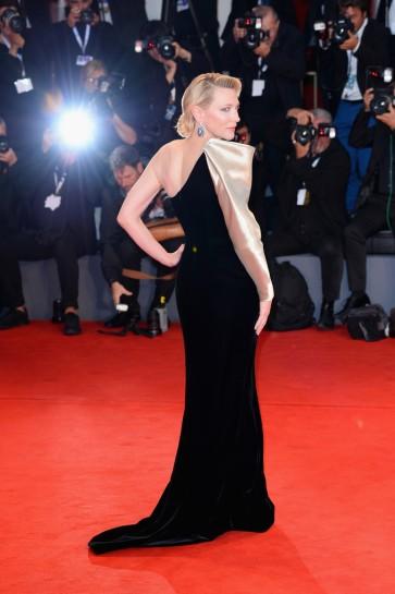 Cate Blanchett in Armani Privé Fall 2018 Couture-5