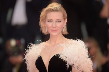 Cate Blanchett in Armani Prive Fall 2018 Couture-8