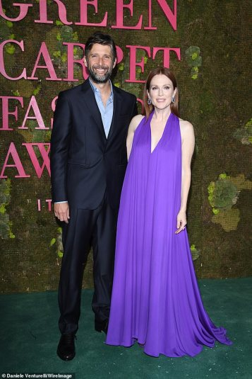 Julianne Moore in Salvatore Ferragamo-3