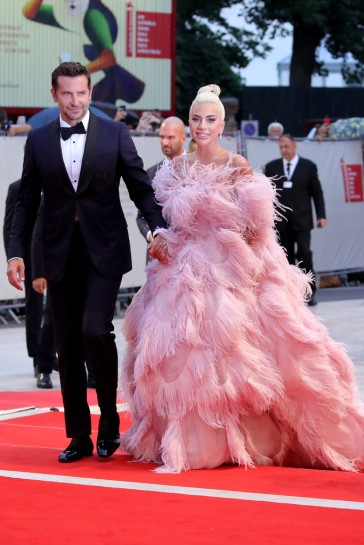 Lady Gaga in Valentino Fall 2018 Couture-2