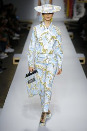 Moschino Spring 2019 Look 28