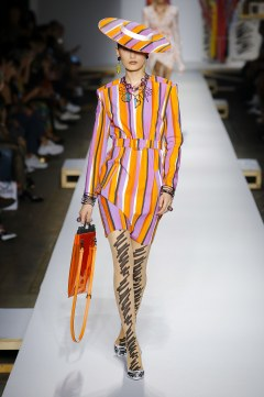 Moschino Spring 2019 Look 33