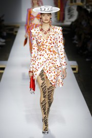 Moschino Spring 2019 Look 34