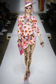 Moschino Spring 2019 Look 36