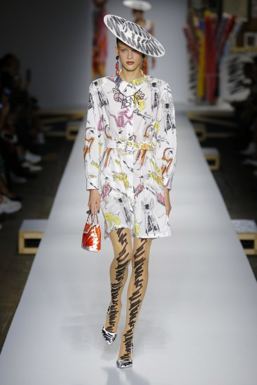 Moschino Spring 2019 Look 38