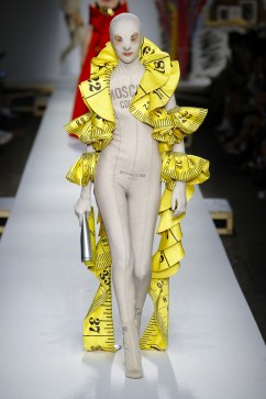 Moschino Spring 2019 Look 57