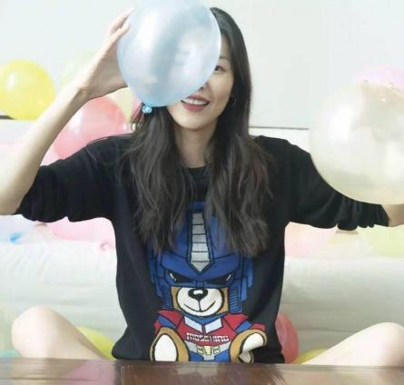 Moschino Teddy Bear-Liu Wen-1