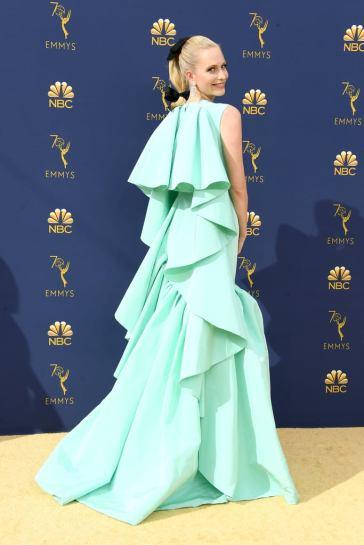Poppy Delevingne in Giambattista Valli Fall 2018 Couture-2