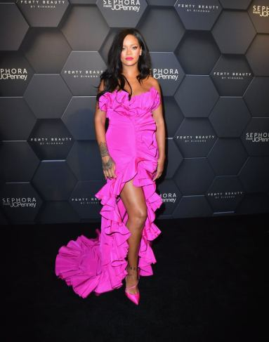Rihanna in Calvin Kleinby Appointment-3