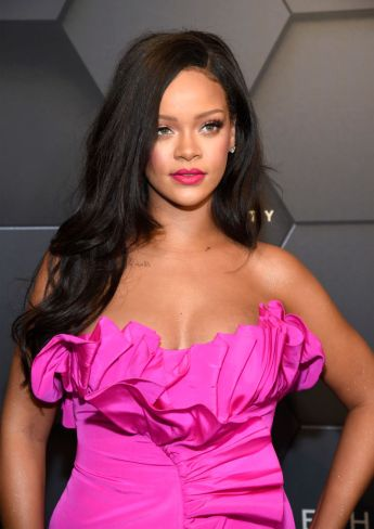 Rihanna in Calvin Klein by Appointment-4