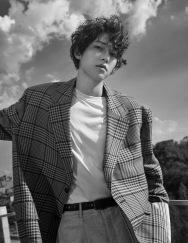 Song Joong-ki for Esquire Korea September 2018-6