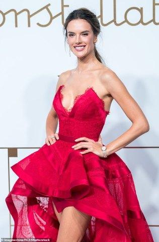 Alessandra Ambrosio in Zuhair Murad Fall 2018 Couture-6