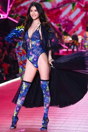 2018 Victoria's Secret Fashion Show-Mary Katrantzou Floral Fantasy-13