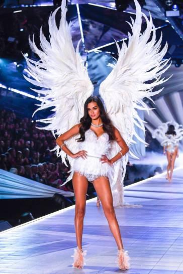 2018 Victoria's Secret Fashion Show-The Dream Angels-11