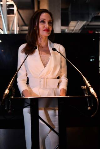Angelina Jolie in Ralph & Russo-3
