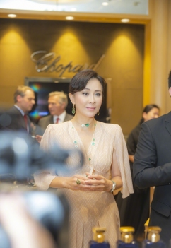Carina Lau in Fendi Fall 2018-8