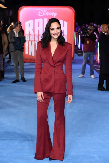 Gal Gadot in Mugler Fall 2018