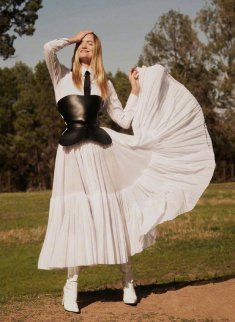 Gemma Ward Harper's Bazaar Australia December 2018-7