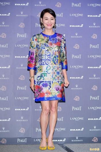 Kara Wai Ying Hung in Dolce & Gabbana Fall 2018