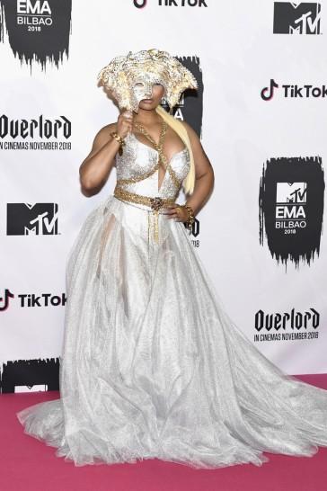 Nicki Minaj in Atelier Versace-1